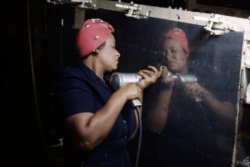 "A ""Rosie"" working on the A-31 Vengeance bomber in Nashville, Tennessee (1943)"